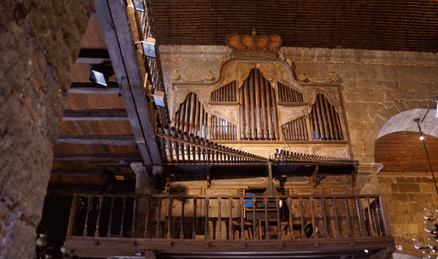 The Las Pinas Bamboo Organ, a 19th-century old instrument with unique organ pipes at St. Joseph Parish Church. image courtesy of triptheislands.com