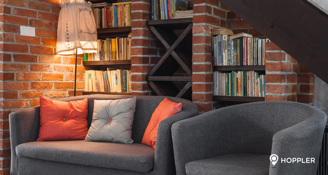 Weekly Picks: 6 Ways To Add Color To Your Condo Living Room
